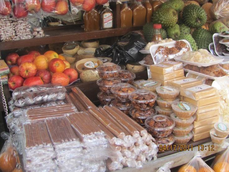 Dulces en la plaza de Santa Fe de Antioquia Colombia