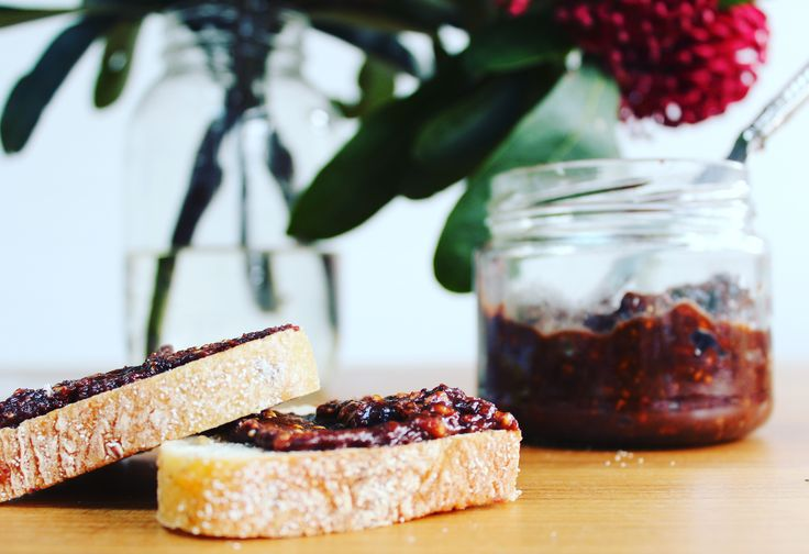 Rich and Delicious Homemade Chocolate Spread