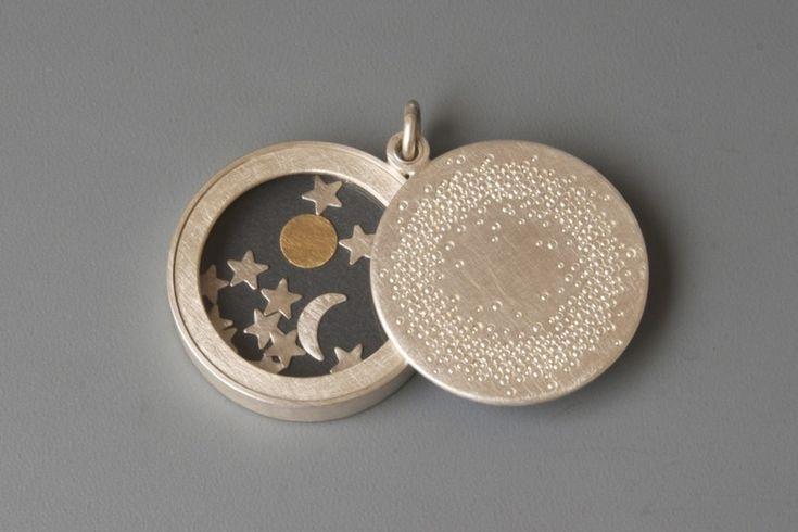 Grosses Medaillon Silber Sonne Mond und Sterne von mabotte ● schmuck  auf DaWanda.com