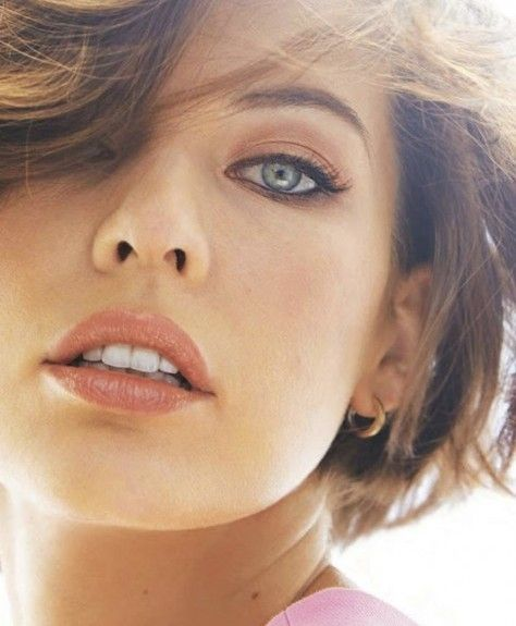 Mila Jovovich - @iLuvHardbodies