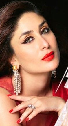 Help me find a similar red lip shade as Kareena Kapoor is wearing