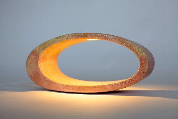 Beton-Lampe Ellipse Tischleuchte von gooeybrand auf Etsy