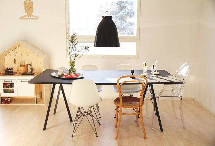 Dinner table with design chairs, Hunajaista blog.