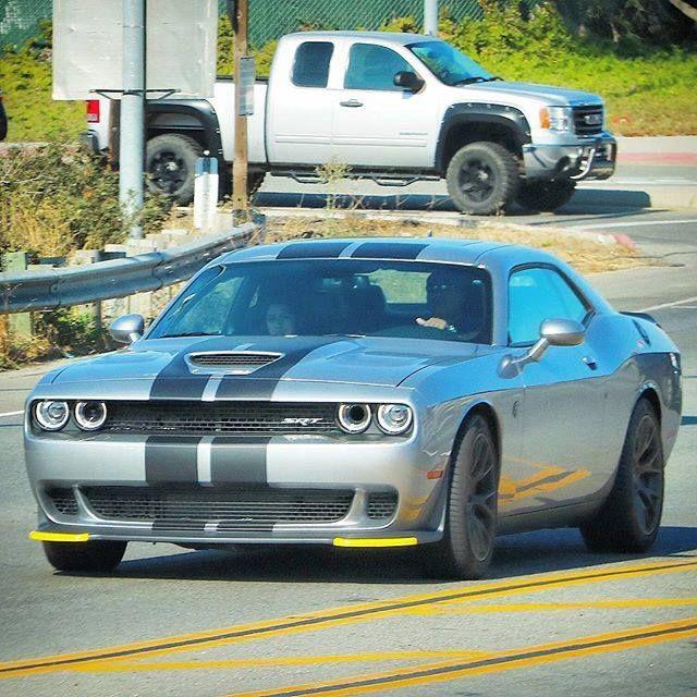 Challenger SRT