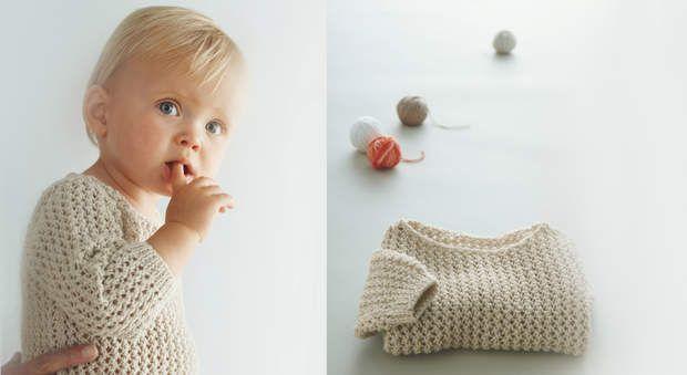 Un pull pour mon bébé à tricoterMixte et intemporel, ce petit pull écru au point…
