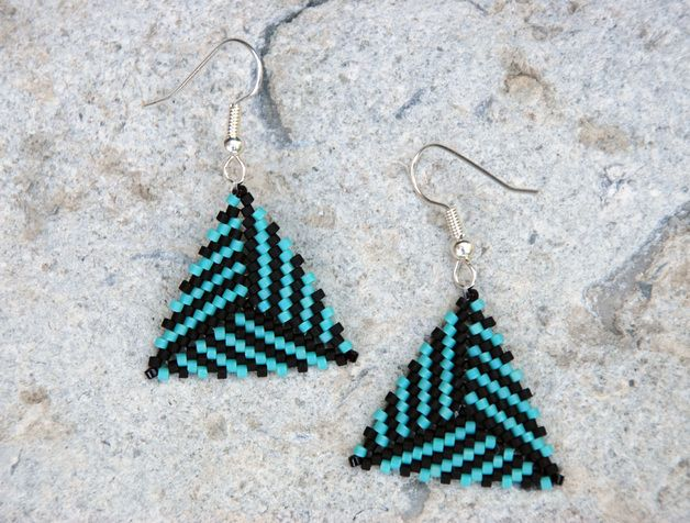 Triangle beaded earrings, Dreieck Ohrringe,  bead-it-up auf Dawanda