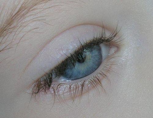 blue / eye / eyes / iris / pupil / skin