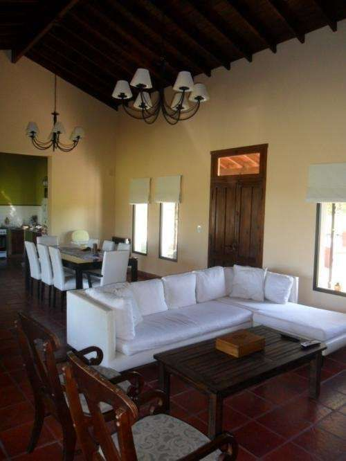 Casa estilo campestre en chacras del molino proyectos for Decoracion de interiores argentina
