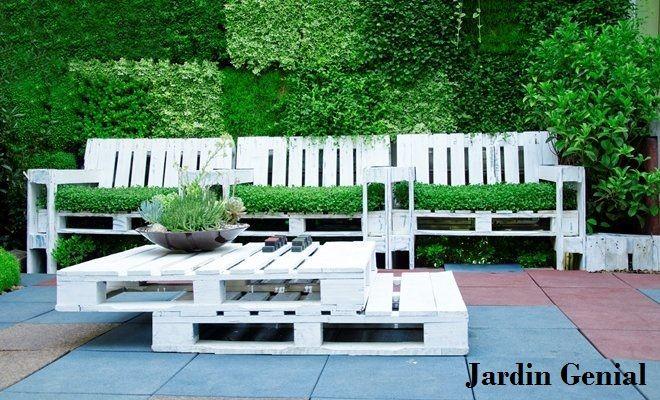 Паллеты в ландшафтном дизайне для оформлении дачной мебели.  #JardinGenial #ландшафтный_дизайн  #Озеленение #Освещение #Полив #Постройки_на_участке