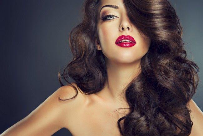 """Descoperă câteva trucuri pentru creșterea părului, """"furate"""" de la femeile din India! Iată ce ușor îți faci părul să crească repede!"""