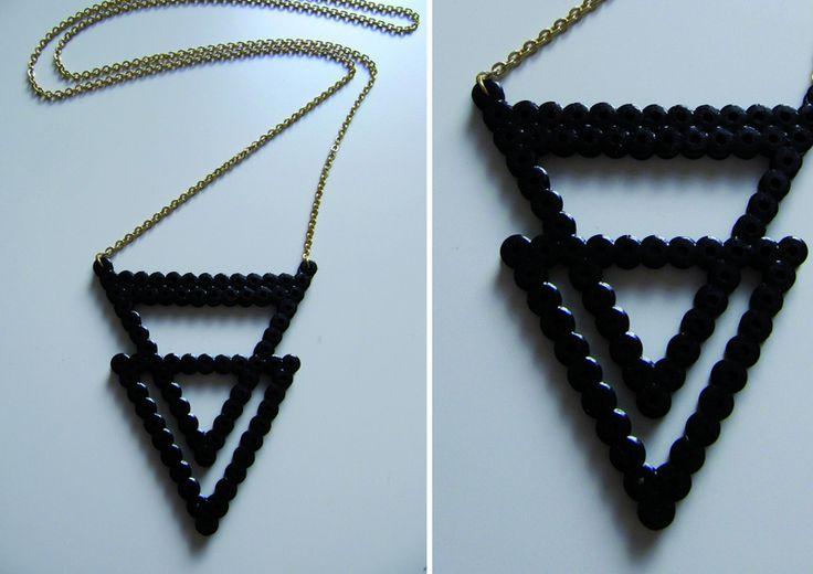 Lange Kette aus Hama Bügelperlen - ein Designerstück von NWinkelmann bei DaWanda (Diy Necklace Ideas)