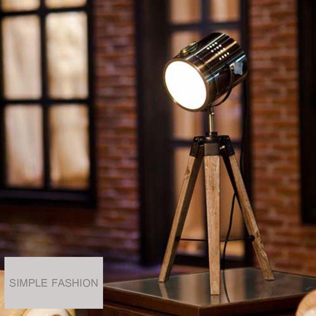 Mini lámpara de escritorio lámpara de pie luz decorativa diseño de madera lámpara de mesa trípode Searchlight luz turística de Color bronce