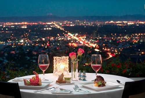 Pilihan tempat untuk ngedate selain di pinggir pantai ya di pegunungan dengan cityview-nya. Keren! #PasanganSehati