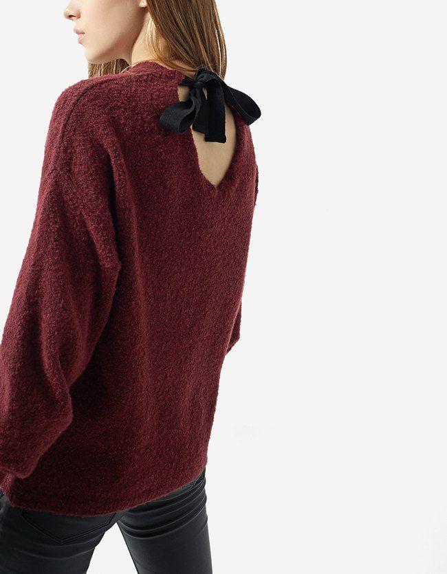 Pullover mit Schleife am Rücken Granatrot Jetzt bestellen unter: https://mode.ladendirekt.de/damen/bekleidung/pullover/sonstige-pullover/?uid=5b97e049-e856-5f7b-a2f3-8d5c0172d523&utm_source=pinterest&utm_medium=pin&utm_campaign=boards #damenmode #sonstigepullover #strick #pullover #bekleidung Bild Quelle: stradivarius.com