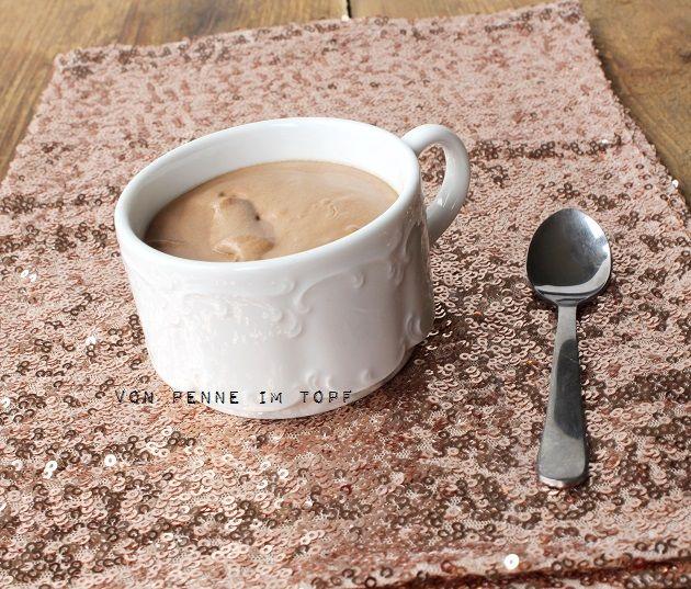 Der Titel sagt eigentlich schon alles. Diese Mousse ist mit Abstand die beste, schokoladigste, leckerste, cremigste Sünde, die ich je geges...