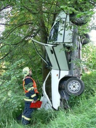 10 Kecelakaan Mobil ini Unik dan Aneh (Part 1)  #mobilWOW