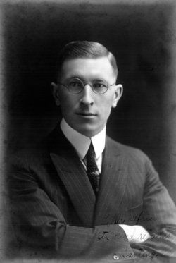 Discovered the First True Miracle Drug! In the spring of 1921, Frederick Banting moved into a 7-foot by 9-foot flat in Toronto, with little more than an idea. Against the advice of his girlfriend, he left behind a struggling medical practice to pursue research at the University of Toronto - though he had absolutely no research background nor expertise. However, he was certain he had an idea that could change diabetes treatment. And, he had motivation. As a youngster, he'd watched his 14-year