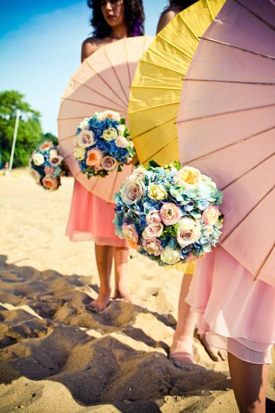 Bright beach wedding colors. #bouquet: Beaches Déjeuner, Wedding Parties, Beaches Photo, Colors Wedding, Wedding Ideas, Heine Photography, Bridal Parties, Events Style, Beaches Wedding