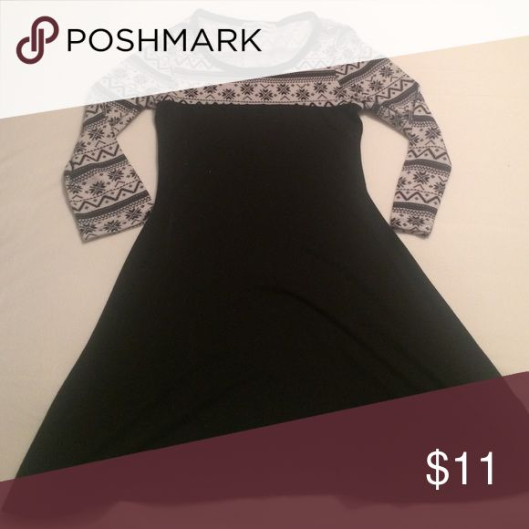 Teen / women's tight fit stretch dress Tight and fun! Great for a night out or party! Almost Famous Dresses Long Sleeve