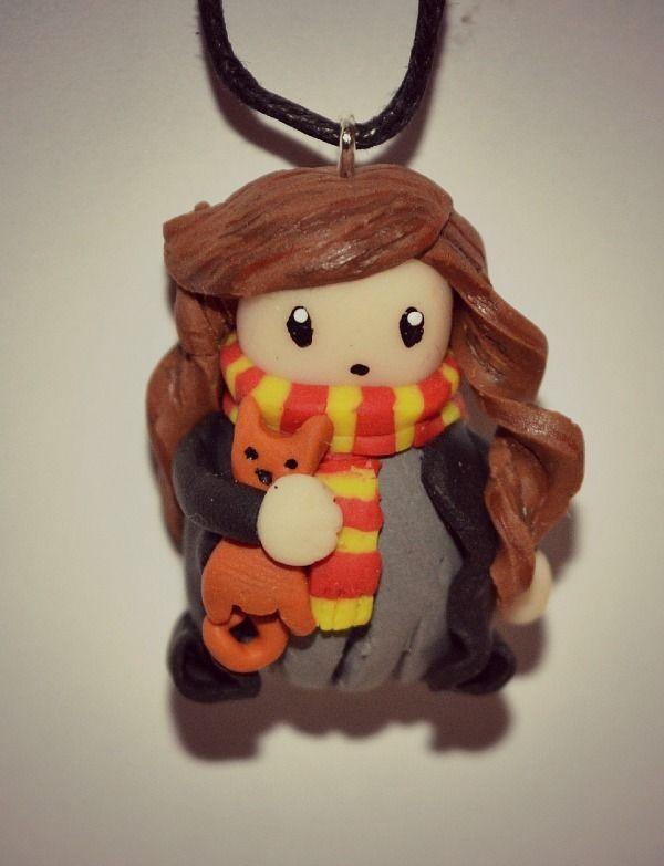 Collier Hermione (Harry Potter) en fimo : Collier par astrid-sweet-fimo