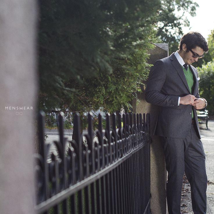 Grå flanell dress. http://menswear.no/dress/dress-for-menn-i-oslo/ #menswear_no #menswear #mensfashion #dress #oslo #bogstadveien #tjuvholmen #lysaker #skjorte #jobbklær #suit #suitup