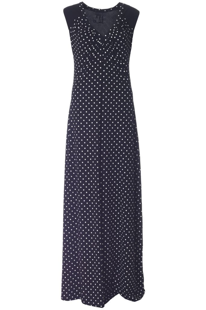 I am i love with dots and maxi dresses. This Odette jersey dress is the perfect combination!