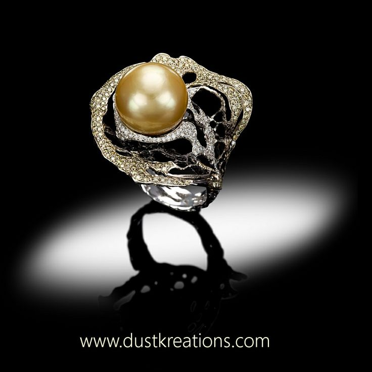 DUST KREATIONS Ring SOLSTIZIO D'ESTATE 18kt gold, gold south sea pearl, yellow and white diamonds.
