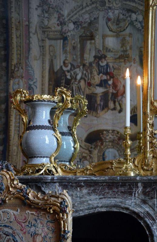 THE LOUVRE | Bureau plat, Paris, vers 1750. J. Dubois, ébéniste. Bâti de chêne ...