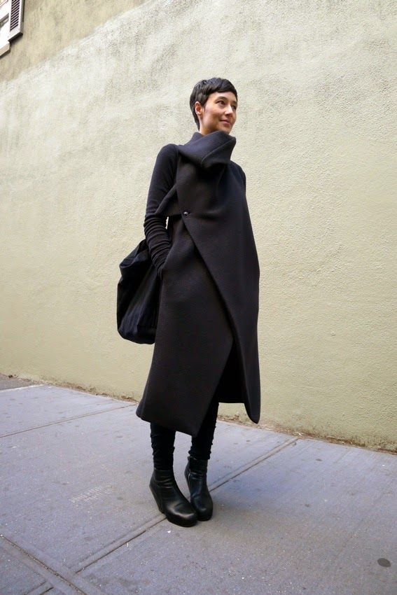 Name: Dina Chang Job: Art Director Items Pants: Damir Doma パンツ:ダミールドーマ Everything else: Rick Owens 他全て:リ...