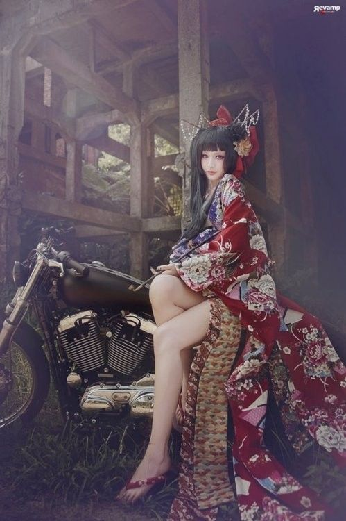 kimono x motorcycle OMG... I wanna be this girl..: