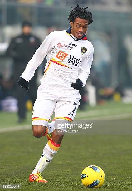 Guillermo Cuadrado of US Lecce in action during the Serie A match between Atalanta BC and US Lecce at Stadio Atleti Azzurri d'Italia on February 12...