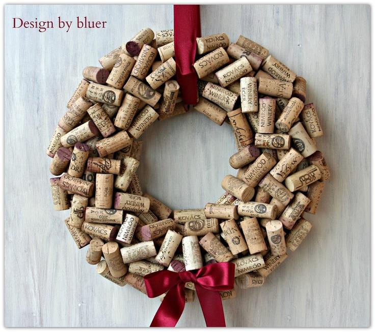 Bluer Design: DIY Cork wreath tutorial - Parafadugóból készült koszorú készítése