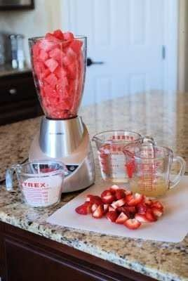Watermelon And Strawberry Lemonade . Limonada de Sandia y Fresa.