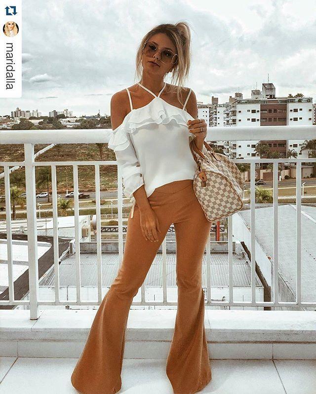 WEBSTA @ linnyoficial - Nossa querida @maridalla veste calça flare camel e blusa ombro a ombro babado #garotalinny #lookdodia #calça #temnalinny