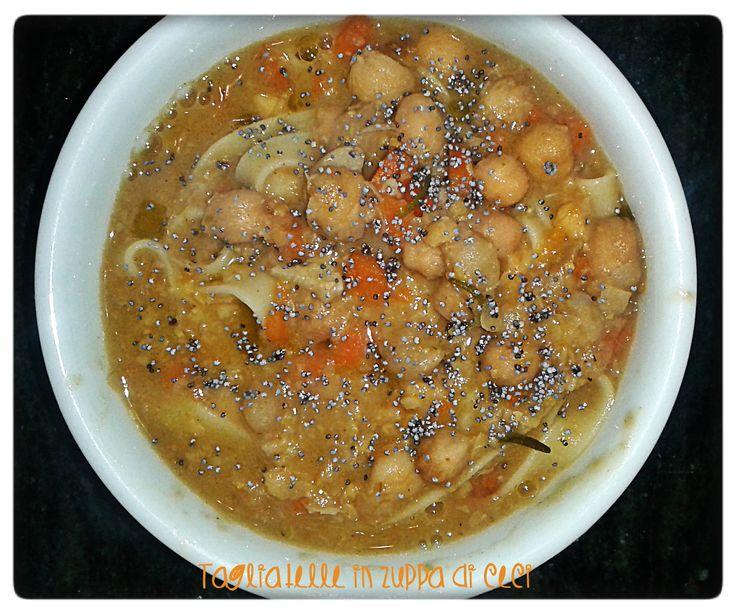 tagliatelle in zuppa di ceci e semi di papavero