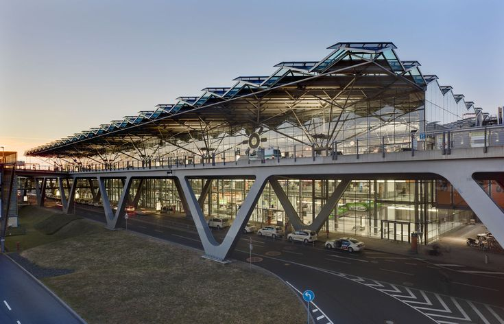 Built by Murphy/Jahn in Cologne, Germany The existing Cologne/Bonn Airport is a landmark. The demands of wide-body jets, the associated requirement for additi...