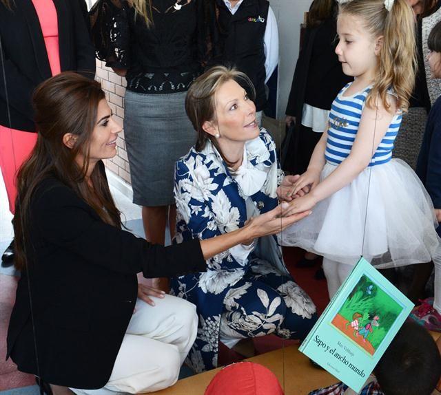 La agenda paralela de Juliana Awada en la visita del Presidente a Colombia  La primera dama Juliana Awada tuvo ayer una agenda paralela a la de su marido en su paso por Colombia.