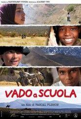 Vado a scuola - Dalle vette delle Ande in Argentina alla savana pericolosa del Kenya, passando per il deserto marocchino e le paludi infide del sud dell'India, si seguono le vite di quattro bambini uniti da