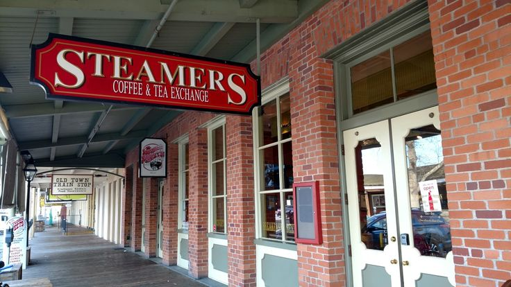 Old Sacramento - Steamer's has good coffee drinks and a shirt menu of breakfast and lunch items