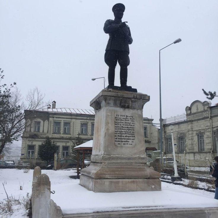 Kars Atatürk Heykeli