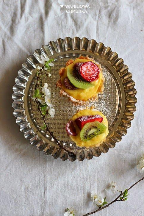 Waniliowa Chmurka: Tartaletki z kremem pâtissière i owocami