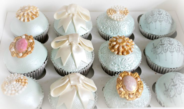 I like the colour of the icing round and the lace effect on them but not the decorations on top..