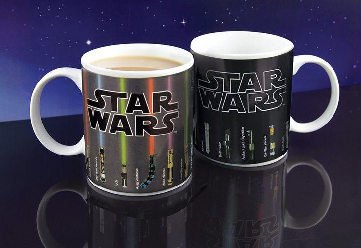 Pues seguimos muy locos con el mundo Star Wars, al fin y al cabo somos frikis y orgullosos de serlo XD    Pero... ande la taza caliente ríase la gente WOOOOOMMMMM.    #regalo #regalos #regalosoriginales #ideaspararegalar #present #giftideas #original #gadget #regalofriki #starwars #sablelaser #lightsaber #cafe #taza #cup    https://www.eltrolldelosregalos.com/taza-sables-laser-regalo-star-wars/