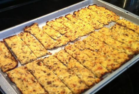Cauliflower Breadsticks (Paleo) Ingredients: 1 head of cauliflower 1 tablespoon of oregano 1/2 tablespoon of basil 1 tablespoon onion powder 1/2 tsp red pepper flakes 2 eggs Salt and pepper to...