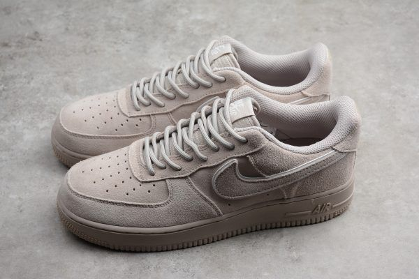 Mens Nike Air Force 1 '07 Suede Moon Particle</p>                     					</div>                     <!--bof Product URL -->                                         <!--eof Product URL -->                     <!--bof Quantity Discounts table -->                                         <!--eof Quantity Discounts table -->                 </div>                             </div>         </div>     </div>     