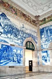 The São Bento Railway Station (Portuguese: Estação Ferroviária de São Bento) is an 19th-century railway station in the civil parish of Cedofeita, Santo Ildefonso, Sé, Miragaia, São Nicolau e Vitória, in the municipality of Porto, district of Porto. #saobentorailwaystation #architectureoporto #oportodesigns