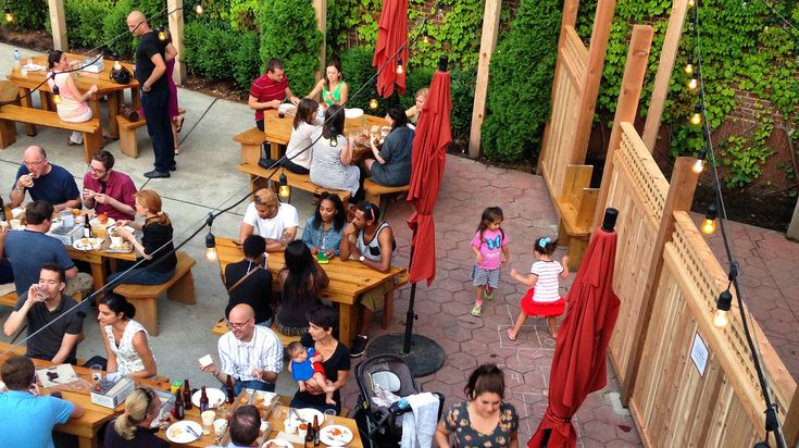 These kid-friendly restaurants in Chicago for families with children have great kids' menus or plenty of mac and cheese