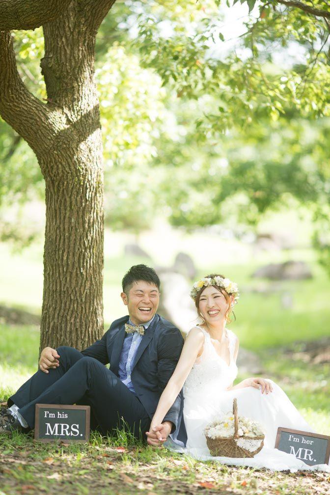 洋装(ウェディングドレス)と手作り小物(アイテム)森と海で結婚式の前撮り | 結婚式の写真撮影 ウェディングカメラマン MS Photography (ブライダルフォト)