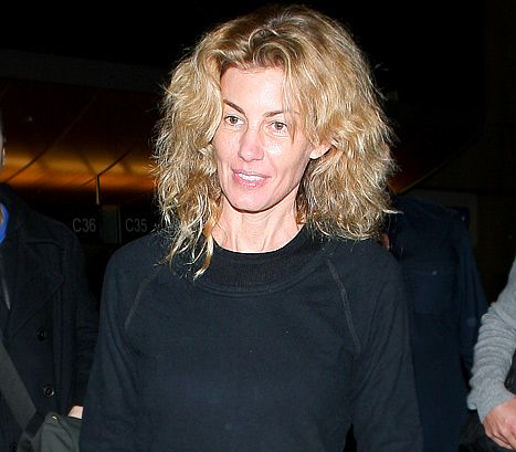 Pic see faith hill without makeup beautiful tim o for How old are faith hill s daughters
