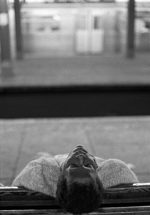 Ferdinando Scianna. man sleeping in the Subway, N.Y. City 1991. magnum photo.